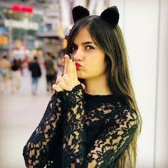 Teen Girl Poses, Cute Girl Poses, Cute Girl Photo, Girl Photo Poses, Teenage Girl Photography, Photography Poses Women, Stylish Girls Photos, Stylish Girl Pic, Stylish Photo Pose