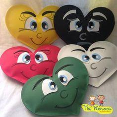 História com objetivo evangelístico. Corações confeccionados em EVA, com enchimento em fibra. 5 Corações + Esboço.  Obs.: Dimensões relativas a cada um dos corações.