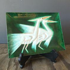 Mid Century Decorative Tray Enamel Cranes Tray Made in Japan ($60) ❤ liked on Polyvore featuring home, kitchen & dining, serveware, enamel tray, bird tray, serving tray, decorative serving tray and enamel serving tray