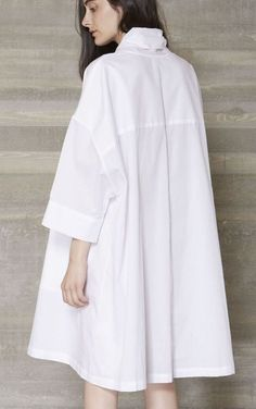 New Looks and Trends. - Luxe Fashion New Trends - Fashion for JoJo Fashion Details, Look Fashion, Hijab Fashion, Fashion Dresses, Womens Fashion, Fashion Design, Fall Fashion, Fashion Wear, Outfits In Weiss