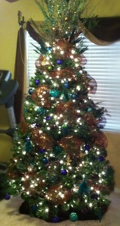 Peacock inspired christmas tree this is the color scheme - Christmas tree color schemes ...