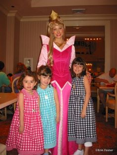 Disney Food For Families: 11 Tips for Better Disney Character Dining | the disney food blog