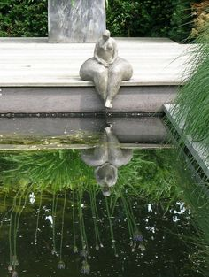 Art objects in a garden design by Maria Schlepers Dronten Garden Sculptures Stone, Sculptures Céramiques, Outdoor Sculpture, Garden Statues, Sculpture Art, Garden Art, Garden Design, Fiji Travel, Art Object