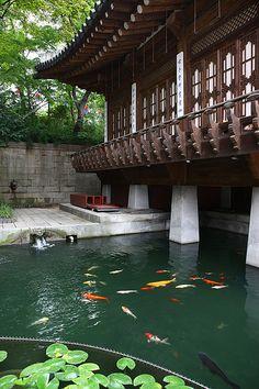 "KOREA_Korea House Hwanbyeongnu (Seoul) | ""Korea House is a v… | Flickr Asian Garden, Chinese Garden, Korean Traditional, Traditional House, Traditional Landscape, Japanese House, Japanese Gardens, Korean Fashion, Japanese Architecture"