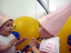 Colégio Magno/Mágico de Oz - Seja bem-vindo Infant Activities, Activities For Kids, Educational Toys, Montessori, School, Baby, Activities For Toddlers, Sensory Activities, Baby Sensory