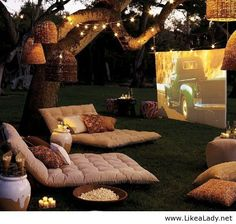 Open Air Kino in the garden Outdoor Cinema, Outdoor Theater, Outdoor Lounge, Outdoor Fun, Outdoor Seating, Outdoor Ideas, Outdoor Rooms, Backyard Seating, Outdoor Dining