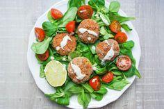 Rote Linsen Falafel mit Limetten-Tahin-Dip