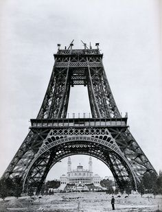 fotos-passado-1 1- Construção da Torre Eiffel, 1889