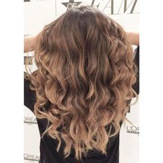 50 Hair Color Highlights and Lowlights For Brunettes Blonde Caramel... ❤ liked on Polyvore featuring hair Hair Highlights And Lowlights, Hair Color Highlights, Summer Blonde Hair, Brunette Hair, Summer Hairstyles, Cute Hairstyles, Curly Hair Styles, Natural Hair Styles, 50 Hair