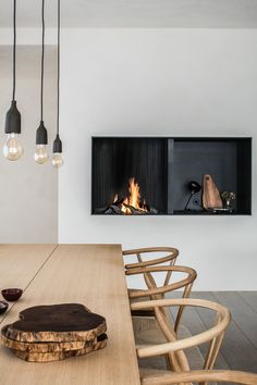 5 Simple Ideas to Improve Your Dining Room Design – Voyage Afield Cosy Dining Room, Dining Room Design, Fireplace In Dining Room, Cosy Fireplace, Dining Chair, Dining Rooms, Dining Room Inspiration, Interior Inspiration, Kitchen Interior