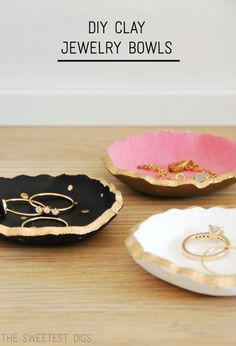 Make these super cute DIY painted ceramic clay jewelry dishes. All you need is air dry clay, a cookie cutter, and paint! The gold foil details MAKE these darling bowls. Beautiful handmade christmas gift idea for under $5. Click through for the full tutorial!