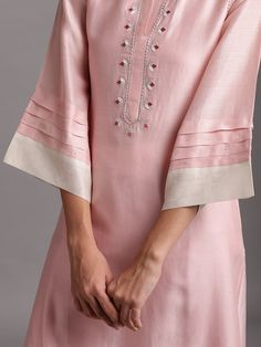 Neck Designs For Suits, Sleeves Designs For Dresses, Dress Neck Designs, Sleeve Designs, Blouse Designs, Silk Kurti Designs, Kurta Designs Women, Kurti Designs Party Wear, Designer Kurtis