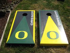 Oregon Ducks cornhole boards Cornhole Designs, Quack Quack, Football Birthday, Corn Hole Game, Cornhole Boards, Oregon Ducks, Some Fun, The Great Outdoors, Wood Crafts