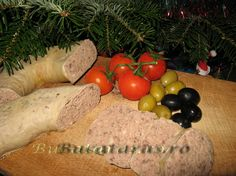 Romanian Liverwurst Recipe - Lebar de casa - This link is to the English Translation of the Original Post in Romanian Sausage Recipes, Pork Recipes, Cooking Recipes, How To Make Sausage, Sausage Making, Hungarian Recipes, Hungarian Food, Liverwurst Recipe, Luncheon Meat Recipe