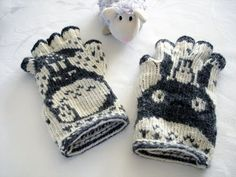 Ravelry: lacesockslupins' of 11 FG's, Totoro Fingerless Gloves, 'Swedish' Twined Double Knitting Patterns, Fair Isle Knitting Patterns, Crochet Patterns, Hat Patterns, Stitch Patterns, Totoro, Fingerless Mittens, Knit Mittens, Crochet Cross