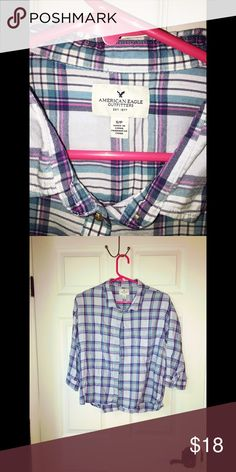 AEO NWOT 3/4 Sleeve Button Up Shirt AEO NWOT 3/4 sleeve button up shirt size small. American Eagle Outfitters Tops Button Down Shirts