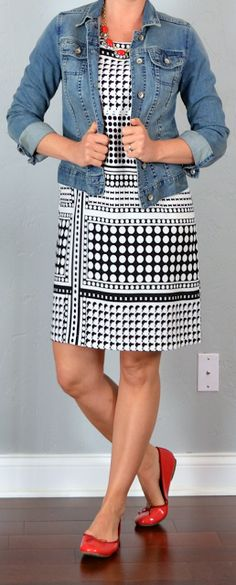 outfit post: black & white patterned crepe shift dress, jean jacket, red ballet flats