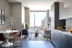 A Modern New Luxury Apartment In The Loop Neighborhood Of Chicago With Floor To Ceiling