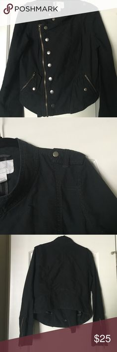 Urban Outfitters jacket Has zipper pockets, sleeves & zips up front. Could wear open or closed! Military like shoulders. It is a L but could be a M. The color is a Dark dark blue.. Almost looks black but isn't quite as dark as black Urban Outfitters Jackets & Coats