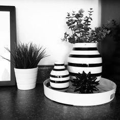 Instagram @vee.zel | Nordic | IKEA | Kähler Omaggio | Black and white | Vignette | Monochrome | Stripes | Tray styling | Kitchen decor | Kitchen styling