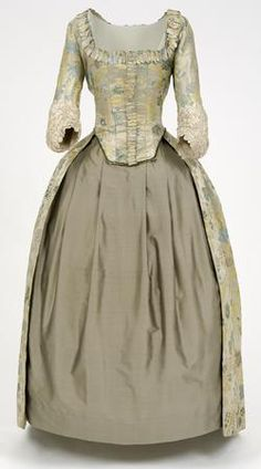 Point silk Robe a l'Anglaise, English, 18th century with 19th century alterations </br> © CSG CIC