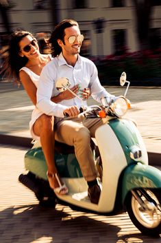 more Italian than taking a vespa out and exploring the streets of Rome! This is the perfect honeymoon experience Vespa Girl, Scooter Girl, Vespa Lambretta, Vespa Scooters, Cute Young Couples, Rome Streets, Rome Travel, Girl Meets World, Gentleman Style