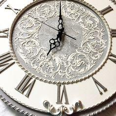 Добрый день! У меня опять заказ на одни из моих любимых часов Донна, диаметр 53 см. Делаю их всегда с удовольствием!!! #часы #часынастенные #часыназаказ #экслюзив #серебро #мкчасы#ручнаяработа #шеббишик #прованс #серебрение #часыбольшие #настенныечасы #интерьер #часымосква #купитьчасы #авторскиечасы #авторскаяработа