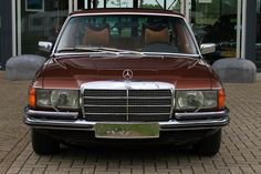 My first car was one of these, it's built like a tank. I drove it for ten years. / 1978 Mercedes 280s