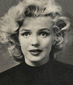 Marilyn Monroeen novembre 1953 photographiée par Ben Ross Marilyn est arrivée en retard le soir dans la chambre d'hôtel de Ben...