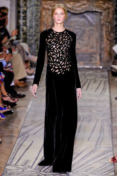 Valentino | Fall 2011 Couture Collection | Style.com