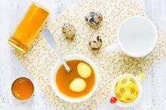 Naturalne barwniki do jajek: farbowanie pisanek bez chemii [infografika]   Mamotoja.pl Pudding, Desserts, Food, Tailgate Desserts, Deserts, Custard Pudding, Essen, Puddings, Postres