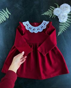 Dark red kid dress with lace collar - long sleeve dress will be a good choice to wear during Christmas - Salvabrani New Baby Dress, Baby Girl Party Dresses, Dresses Kids Girl, Little Girl Outfits, Little Girl Dresses, Kids Outfits, Children Dress, Vintage Baby Dresses, Baby Girl Fashion