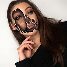 We share 29 extra-ordinary Halloween makeup ideas on social media sites. These are the best Halloween makeup designs that looks stunning and terrifying. Haloween Makeup, Halloween Makeup Looks, Scary Makeup, Costume Makeup, Halloween Makeup Glitter, Halloween Halloween, Halloween Makeup Tutorials, Beautiful Halloween Makeup, Halloween Costumes