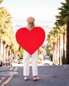DIY Heart Sandwich Board For Valentine's Day   Oh Happy Day! Valentines Day Gifts For Him, Valentines Day Party, Valentines Day Decorations, Be My Valentine, Shrek Costume, Magic Birthday, School Costume, Sandwich Board, Valentine's Day Diy