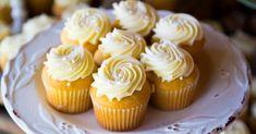 Recette de Cupcakes minceur au citron vert et chantilly clémentines. Facile et rapide à réaliser, goûteuse et diététique.
