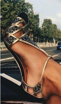 60dd8abd958 228 melhores imagens de sapatos vintage em 2019 | Sapatos vintage ...