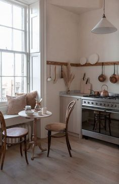 A little haven of kitchen serenity in Edinburgh. This stylish apartment is the ultimate home decor inspiration for anyone who … Home Design, Small House Interior Design, Small Space Design, Small Spaces, Design Ideas, Design Projects, Devol Kitchens, Farmhouse Side Table, Modern Farmhouse