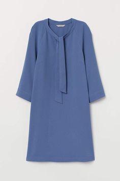Dress with Ties – Hartini Baharuddin Dress with Ties Dress with Ties – Dusky blue – Ladies Sundress Outfit, Hijab Style Dress, Dress Indian Style, Muslim Fashion, Hijab Fashion, Fashion Dresses, Kurta Designs, Blouse Designs, Plain Kurti