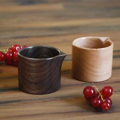 Petite Pitcher (Walnut & Cherry) by Mitsugu Morita // via Monosquare Woodworking Videos, Custom Woodworking, Woodworking Projects Plans, Woodworking Workbench, Diy Cutting Board, Wooden Kitchen, Wooden Spoons, Walnut Wood, Wood Turning