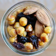 A fave snack: nuts, roasted chickpeas, raisins. Salty, sweet, nutritious, #plantfood.