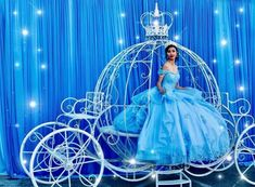 Get free techniques for quinceanera decor: Quinceanera girls intending to be quinceanera inside a strapless gown ought not have tan lines. You may want a great tan prior to your quinceanera event, but tan lines could be distracting. Sweet 16 Decorations, Quince Decorations, Quinceanera Decorations, Quinceanera Party, Quinceanera Dresses, Cinderella Sweet 16, Cinderella Theme, Cinderella Birthday, Cinderella Wedding