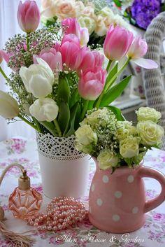 Aiken House & Gardens: The Charm of Flowers Beautiful Flower Arrangements, Floral Arrangements, Ikebana, Summer Garden, Home And Garden, Red Tulips, Spring Blossom, Decoration Table, Flower Wallpaper