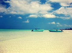I will go to Holbox some day.  It is on the top of my bucket list........me too!