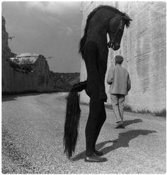 Jean Cocteau with Horse-men on the set of Testament d'Orphée, Les Baux de Provence, Photo by Lucien Clergue Creepy Photos, Strange Photos, Creepy Images, Film Noir Fotografie, Old Photos, Vintage Photos, I Love Cinema, Jean Cocteau, Arte Obscura