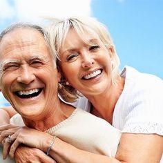 Toutes ces belles publicités montrant des personnes retraitées heureuses et en pleine forme, en bermuda et polo griffé, sur des plages de sable blanc, un terrain de golf ensoleillé ou dans un motorisé tout équipé ont de quoi faire rêver! Nous aspirons tous à ce genre de retraite, non?