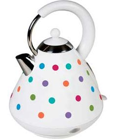 The KitchenOriginals Classic Bright Spot Kettle is hand printed with a contemporary polka dot design. Drawing influence from the traditional styles of a vintage kitchen and combining this design with on-trend colour palettes, this unique appliance is made from high quality stainless steel with a powerful fast boil heating element.
