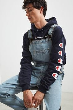 BDG Light Stonewash Denim Overall is part of Overalls men Shop BDG Light Stonewash Denim Overall at Urban Outfitters today Discover more selections just like this online or instore Shop your favo - Vintage Outfits, Retro Outfits, Trendy Outfits, Vintage Hats, Sport Outfits, Summer Outfits, Streetwear Mode, Streetwear Fashion, Grunge Outfits