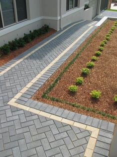 APC I like this pattern/colour scheme Block Paving Patio, Outdoor Pavers, Patio Blocks, Driveway Paving, Brick Paving, Driveway Design, Garden Paving, Paver Walkway, Brick Paver Patio