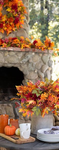 Fall Home Decor: Design tips and autumn decorating ideas. Find information and tons of fall decor curated by interior designer Tracy Svendsen. Fall Home Decor, Autumn Home, Autumn Fall, Autumn Decorating, Decorating Ideas, Craft Ideas, Seasonal Image, Thanksgiving Table Settings, Season Of The Witch