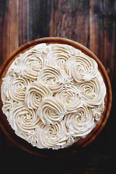 Pandan Gula Melaka Layer Cake + Decorating Tips Bbq Dessert, Cake Cookies, Cupcake Cakes, Mini Cakes, Cake Recipes, Dessert Recipes, Cake Picks, Cake Decorating Tips, Love Cake